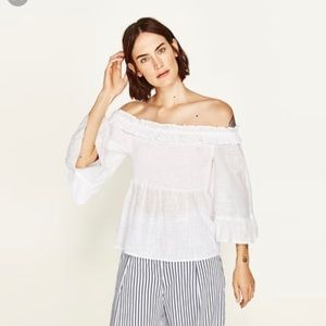 NWT! Zara off the shoulder top! Size Small
